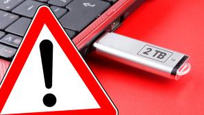 Vorsicht Fake-USB-Sticks©istock/numbeos, magele-picture - Fotolia.com