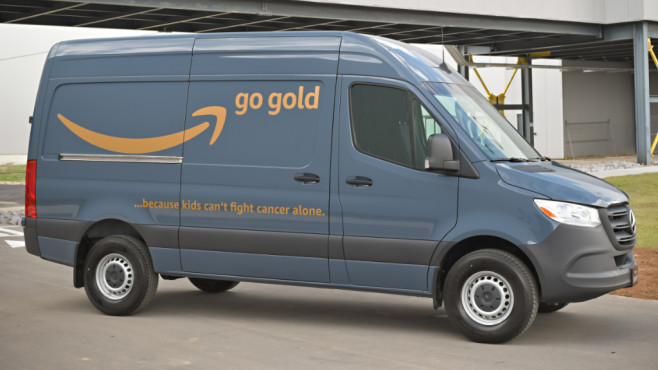Mercedes-Benz Sprinter mit Amazon-Logo © Daimler, Amazon