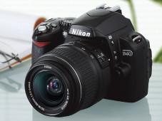 Die Nikon D40 wurde mit dem Zoom-Nikkor 18-55mm Objektiv getestet.