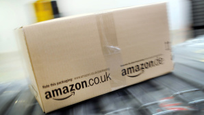 Amazon-Paket © dpa-Bildfunk