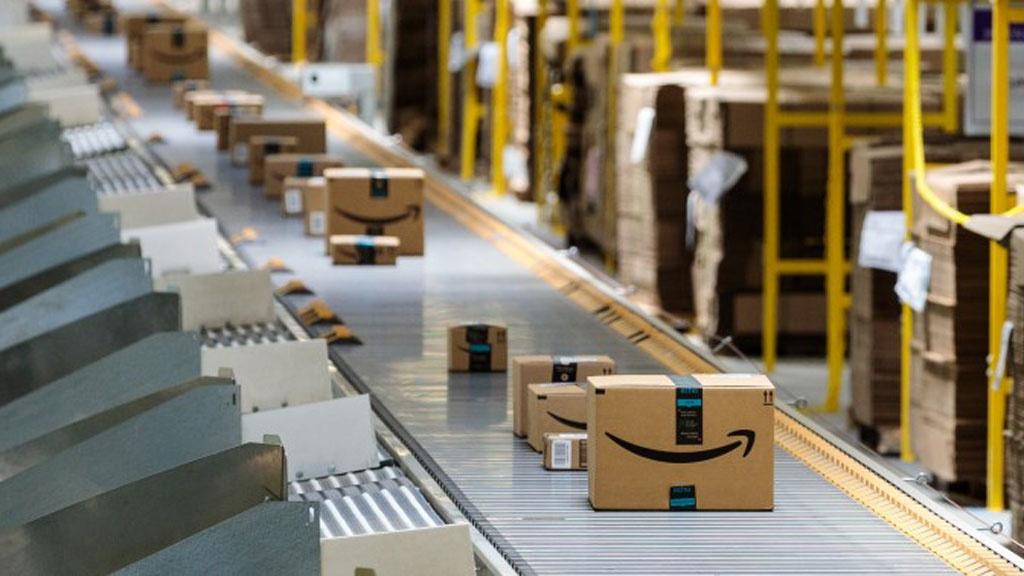Amazon: Onlinehändler plant Werbung auf Paketen