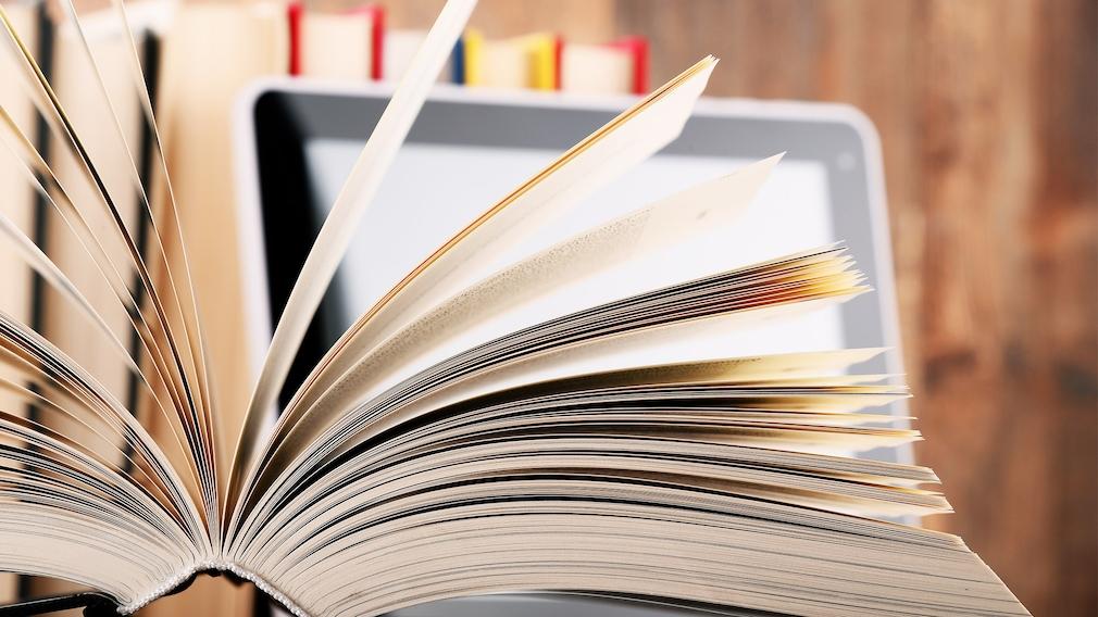 Windows-Eingabeaufforderung: Bordmittel und PDF-Dokumentation erklären Befehle Sind Sie in Sachen CMD kein wandelndes Lexikon, hilft Ihnen ein Microsoft-PDF: Es erläutert zahlreiche Systemkommandos.