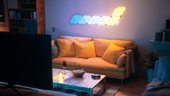 Nanoleaf: Mit Aurora Rhythm wird die weiße Wand zum farbenfrohen Lichtschauspiel.©Nanoleaf