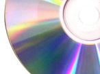 Zollfahnder haben in Düsseldorf 10.000 CDs und DVDs beschlagnahmt.