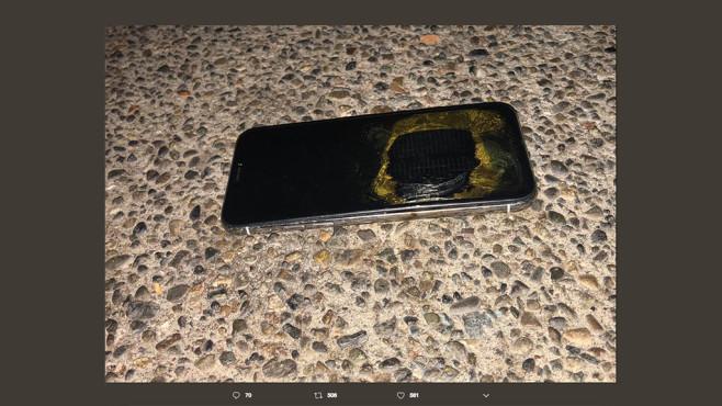 iPhone X explodiert©Screenshot via Twitter Rocky Mohamadali