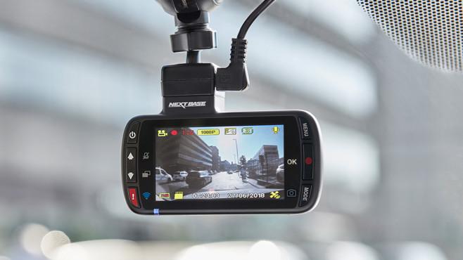 Mehr Verkehrssicherheit vom Weltmarktführer Nextbase Die millionenfach verkaufte 312GW-Dashcam ist das beliebteste Modell und liegt mit 139,99 Euro ungefähr in der Mitte des Nextbase-Angebots©Nextbase