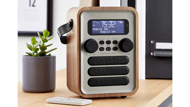 tchibo dab digitalradio im test audio video foto bild. Black Bedroom Furniture Sets. Home Design Ideas