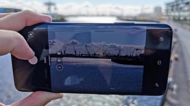 OnePlus 7 Pro: Test, Kamera, Preis, Release, Daten, kaufen Die Kamera wurde rundum überarbeitet, liefert bessere Schnappschüsse als der Vorgänger. Neu hinzugekommen ist das Tele-Objektiv mit dreifach optischen Zoom.©COMPUTER BILD
