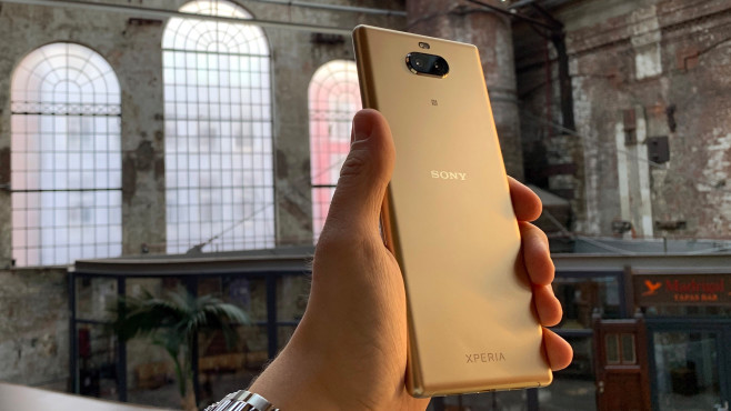 Sony Xperia 10 Plus in Gold © COMPUTER BILD