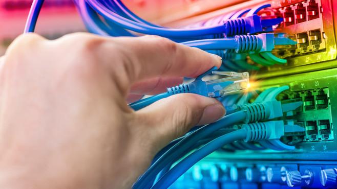 Breitbandausbau für schnelleres Internet©xiaoliangge – Fotolia.com