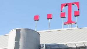 Telekom-Logo auf Gebäude©Telekom