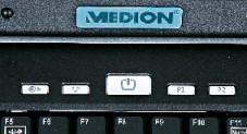 Medion MD 97900 Über die Tasten neben dem Einschaltknopf lassen sich Programme starten sowie die Funknetzwerkkarte per Knopfdruck ein- und ausschalten.