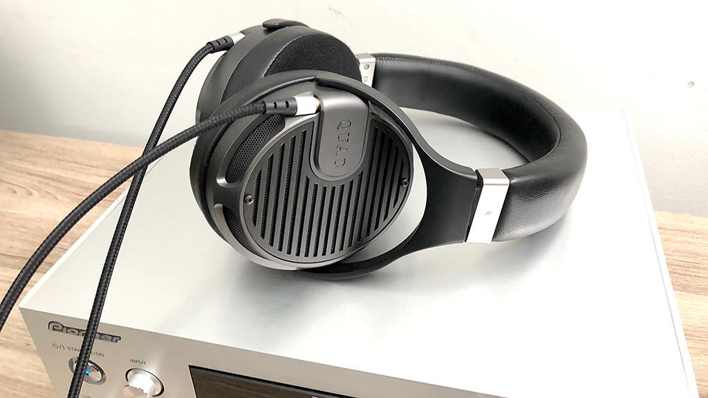Quad ERA-1 im Test: Auf die sanfte Tour Quad ERA-1 im Test: Der Kopfhörer ist kein Leichtgewicht, dafür zählt er auch zu den bestklingenden Modellen überhaupt.©COMPUTER BILD