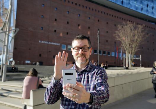 Selfies mit Handzeichen ©COMPUTER BILD