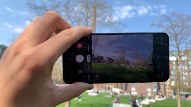 Samsung Galaxy A50: Praxis-Test, Daten, Preis, Release, kaufen Wie schon beim S10, sitzt auch im A50 ein Weitwinkel-Linse.©COMPUTER BILD