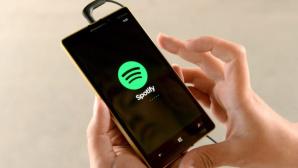 Handy mit Spotify-Logo©dpa-Bildfunk