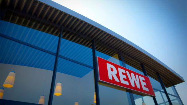 Außenfassade REWE-Geschäft©REWE