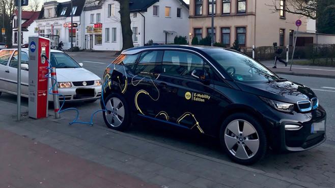 VW Polo an Hamburger Ladesäule©COMPUTER BILD