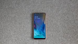 Samsung Galaxy A20e: Praxis-Test, Farben, Display, Kamera, Preis, Release Das neue Galaxy A20e ist Samsungs kleinster Smartphone-Spross. ©COMPUTER BILD