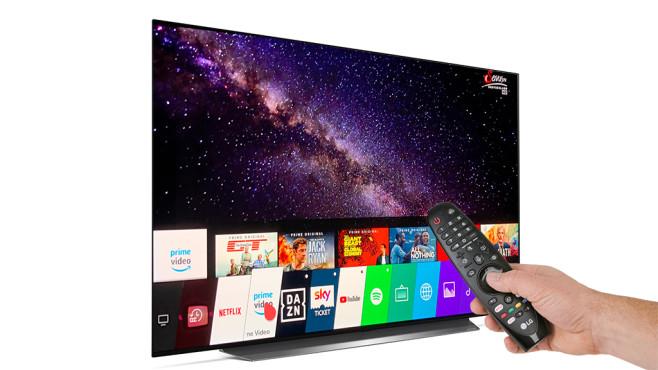 Neuer LG OLED C9 im Test: Das ist der beste Fernseher fürs Geld! Der neue LG OLED C9 im Test: Der Menüleiste spendierte LG nun eine zweite Zeile mit Vorschaubildern etwa von Netflix und Youtube oder mit den bevorzugten TV-Kanälen. Die Fernbedienung verfügt über eine neue Optionstaste.©LG, COMPUTER BILD