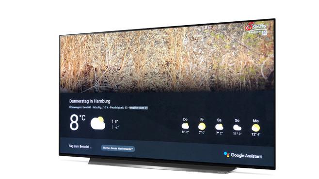 Neuer LG OLED C9 im Test: Das ist der beste Fernseher fürs Geld! Über das Mikrofon in der Fernbedienung lässt sich der LG OLED C9 auch per Sprache steuern. Progammwahl und ähnliche TV-Funktionen überdimmt die LG ThinQ Intelligenz, Alltagsfragen wie nach dem Wetter beantwortet Google.©LG, COMPUTER BILD