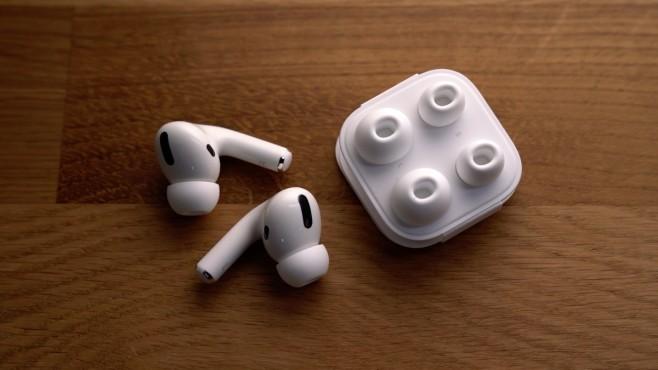 Apple AirPods Pro: Test, Preis, kaufen? Zwischen drei Ohrpassstücken können Nutzer bei den AirPods Pro wählen.©COMPUTER BILD