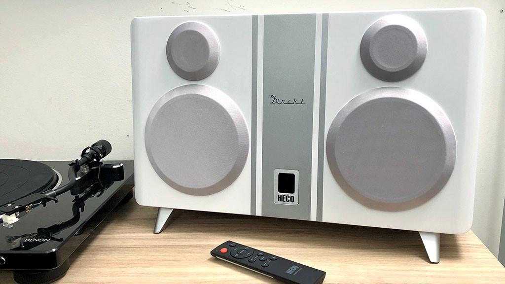 Heco Direkt 800 BT im Test: Sogar ein Plattenspieler lässt sich an die kompakte Stereo-Box anschließen.©COMPUTER BILD