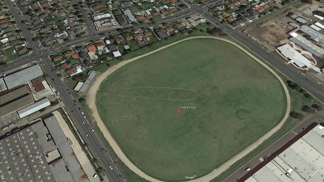 Google Earth: Phallussymbol©Google Earth