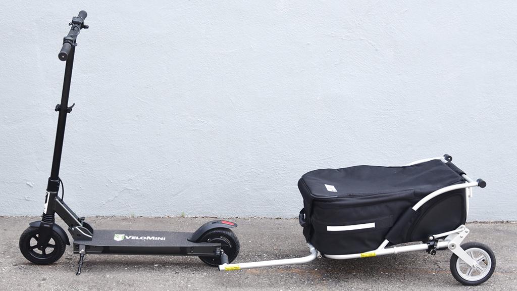 E-Scooter im Aufwind: Erster Anhänger für Tretroller ist da