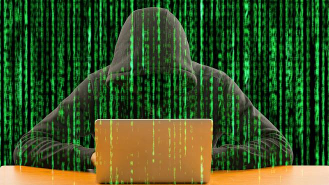 User Agent ändern und auslesen: Anonym surfen mit Firefox, Chrome und Iron Wollen Sie Webservern nicht dem Silbertablett servieren, mit welchem Programm Sie im Internet unterwegs sind, wandeln Sie den User-Agent ab. Hier finden sich Add-ons und ein passender Browser.©iStock.com/ShutterOK