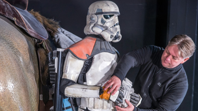 Marc Langrock mit Stormtrooper©dpa-Bildfunk