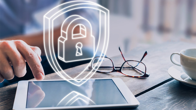 Sicheres Anmelden: Android Security Key jetzt auch für iOS Google verspricht mehr Sicherheit für Apple-Nutzer dank Android-Sicherheitsschlüssel.©iStock.com/NicoElNino