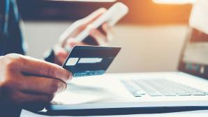 Mikroplastik: Kreditkarte pro Woche Das Mikroplastik kommt den Menschen teuer zu stehen. Die Aufnahme betr�gt die Menge von einer Kreditkarte pro Woche.©iStock.com/SARINYAPINNGAM