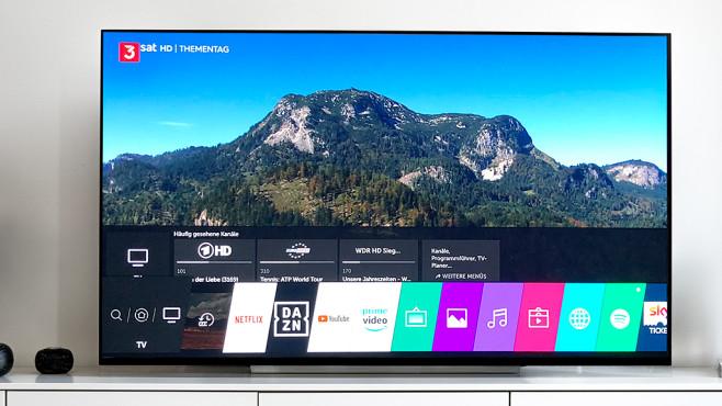 LG OLED E9 im Test: Ist das der beste Fernseher von LG? LG OLED E9 im Test: Die Menüleiste mit installierten Apps hat sich bewährt, neu ist die Zeile darüber mit zuletzt geschauten Sendern, Serien und mehr.©LG Electronics, COMPUTER BILD