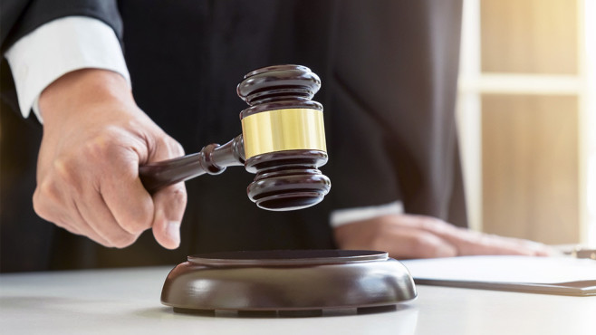 Gerichtsurteil©iStock.com / Pattanaphong Khuankaew
