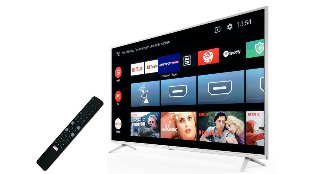 Fernseher-Test: Thomson 55UE6400 mit Android 9 Thomson 55UE6400 im Test: Fernbedienung und Android-Menü sind schön übersichtlich.©Thomson, COMPUTER BILD