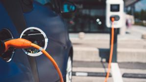 Die Zukunft heißt Elektromobilität. Doch wie schaut es mit den Lieferzeiten von Elektroautos aus?©iStock.com/spyderskidoo
