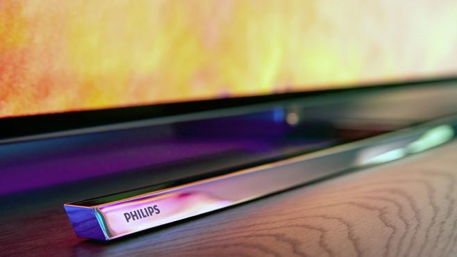 Philips OLED 804 und OLED 854: Der Fuß macht den Unterschied Philips OLED 854: Der drehbare Fuß macht den Unterschied zum sonst identischen Schwestermodell OLED 804 aus.©Philips