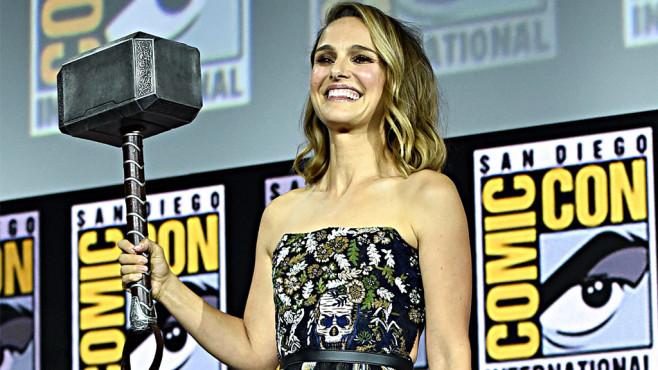 Natalie Portman mit Mjölnir©gettyimages.de/Alberto E. Rodriguez
