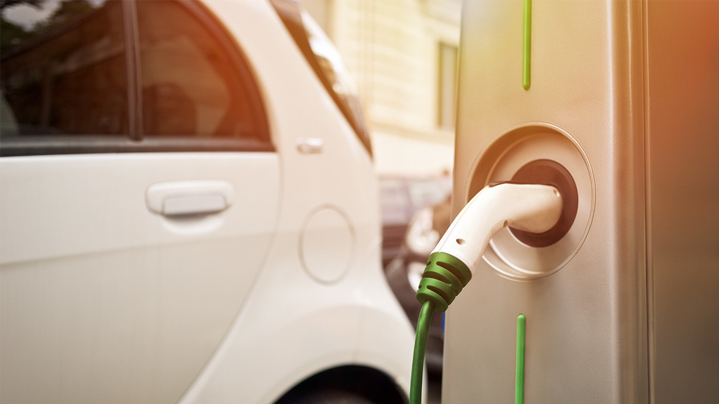 Elektro-Offensive: BP will E-Autos in fünf Minuten aufladen