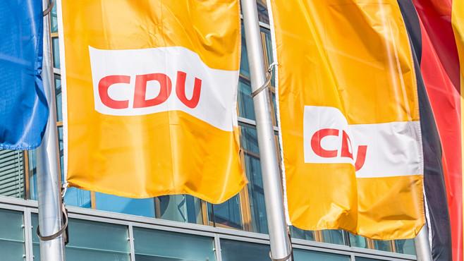 CDU-Flaggen©iStock.com/querbeet