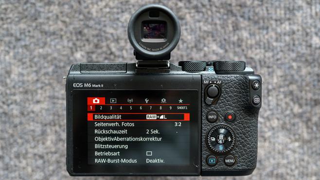 Canon EOS M6 Mark II Rückseite mit Sucher©COMPUTER BILD