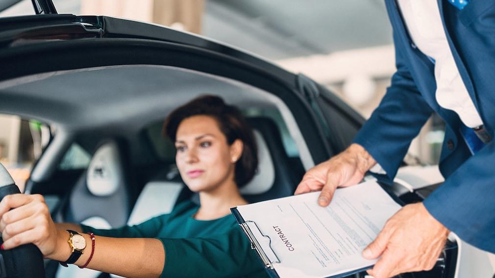 Auto kaufen oder leasen: Pro und Contra Kaufen oder leasen? Bei der Wahl eines passenden Finanzierungsmodells beim Autokauf lässt sich einiges sparen. Eine genaue Kalkulation der Kosten ein aber ein Muss.