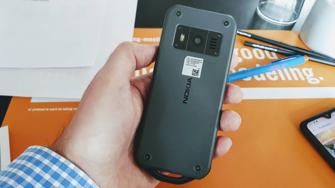 Nokia 800 Tough©COMPUTER BILD / Michael Huch