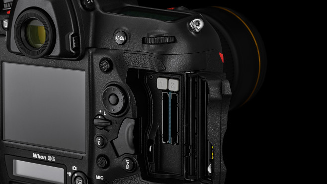 Nikon D6 Zwei CFexpress Steckplätze©Nikon