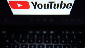 YouTube: Logo © dpa-Bildfunk