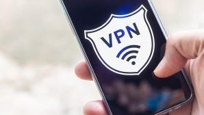 VPN iPhone©iStock.com/releon8211