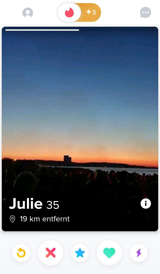 Screenshot 1 - Tinder (Android-App)