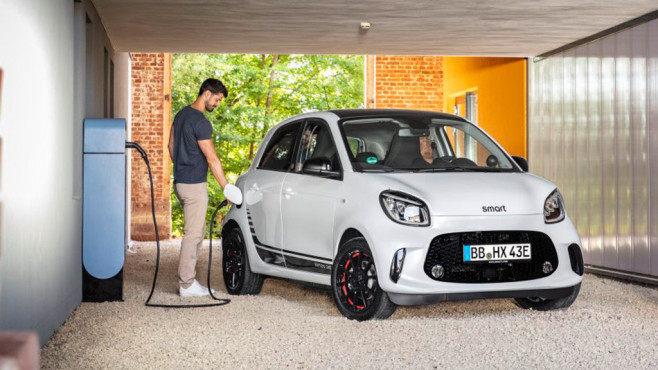 Die drei neuen E-Smarts von Daimler©Daimler / Sasche Pallenberg