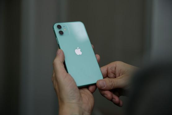 iPhone 11 in Grün ©COMPUTER BILD